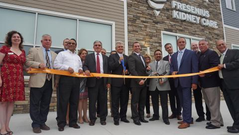 Fresenius Kidney Care Ribbon Cutting